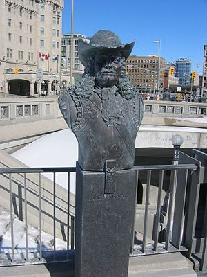 Valiants Memorial - Image: Frontenac bust