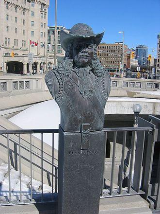 Valiants Memorial - Image: Frontenac bust