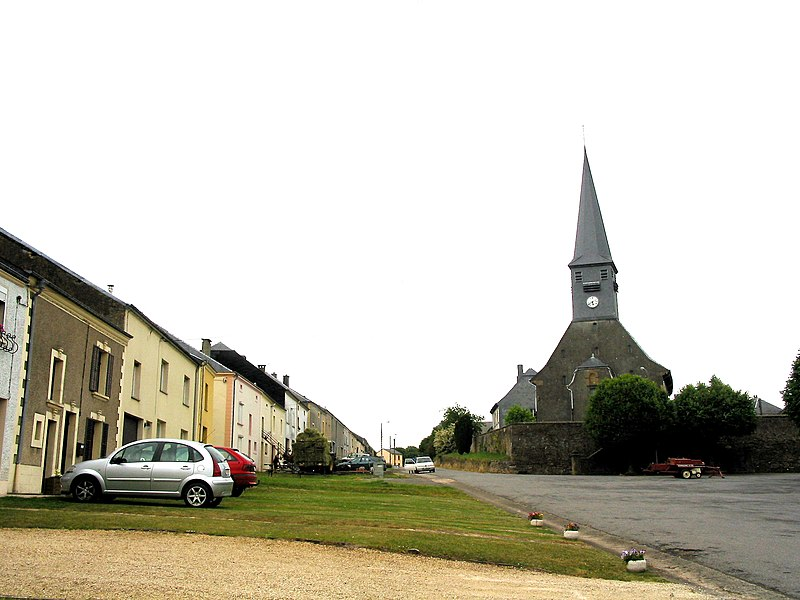 Gérouville (Belgium),  the neighbourhood of Saint Andrew's church.