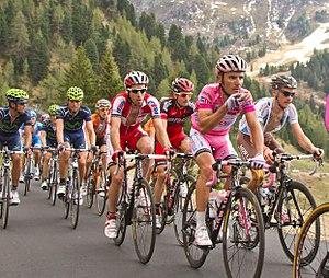 Giro d'Italia 2012, 072 pampeago rodriguez met puffertje (17786750665)