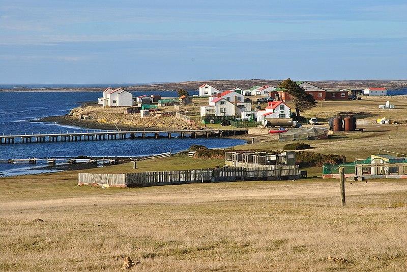 File:Goose Green, Falkland Islands.jpg