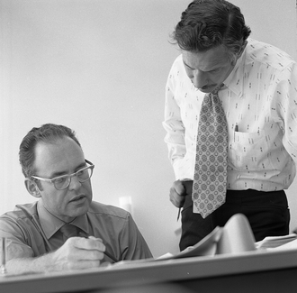 Gordon Moore - Image: Gordon Moore and Robert Noyce at Intel in 1970