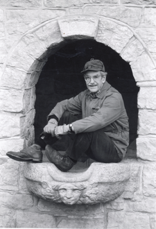 Grady Clay at his spring house in Louisville, Kentucky.png