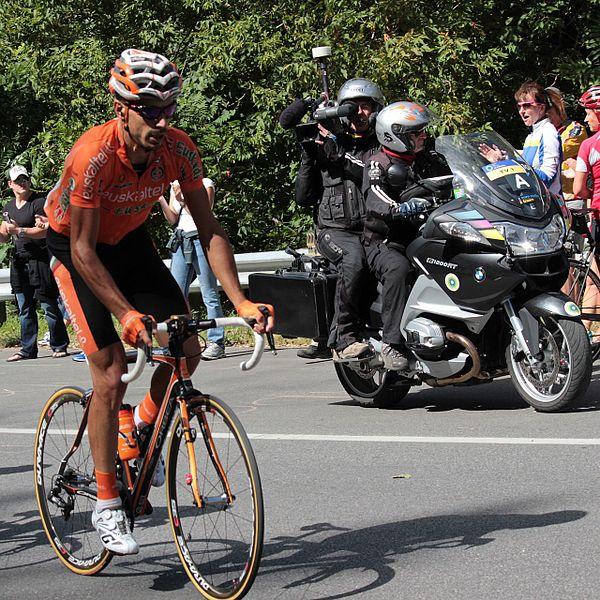 File:Grand Prix Cycliste de Montréal 2012, Egoi Martinez & Camera Crew (7994430269).jpg