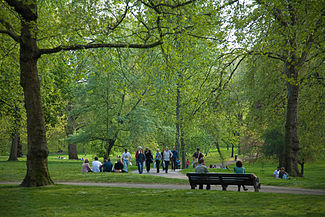 Green Park, London - April 2007.jpg