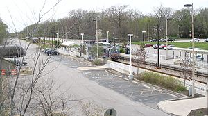 Green Road (RTA Rapid Transit station) - Image: Green Road Cleveland RTA station