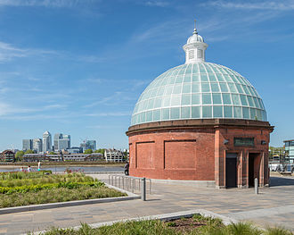 Greenwich foot tunnel - Entrance to the Greenwich foot tunnel, southern side, with a view of Canary Wharf