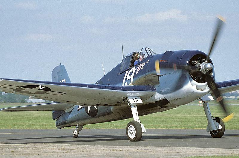 800px-Grumman_F6F-5K_Hellcat_(G-50)_AN12