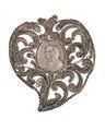 Hängsmycke av silver med jungfru Maria i profil, 1700-tal - Hallwylska museet - 110594.tif