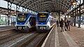 Haarlem SNG 2308 (l) en 2303 (r) Sprinter 6345 Leiden - Flickr - Rob Dammers.jpg