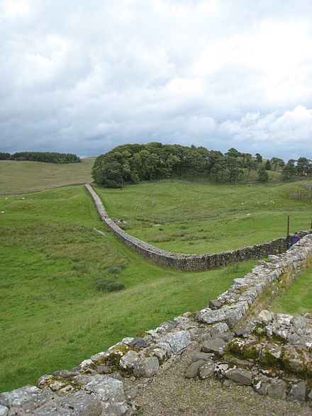 Hadrian's Wall viewed looking east from Vercovicium (Housesteads) Hadrians Wall from Housesteads1.jpg