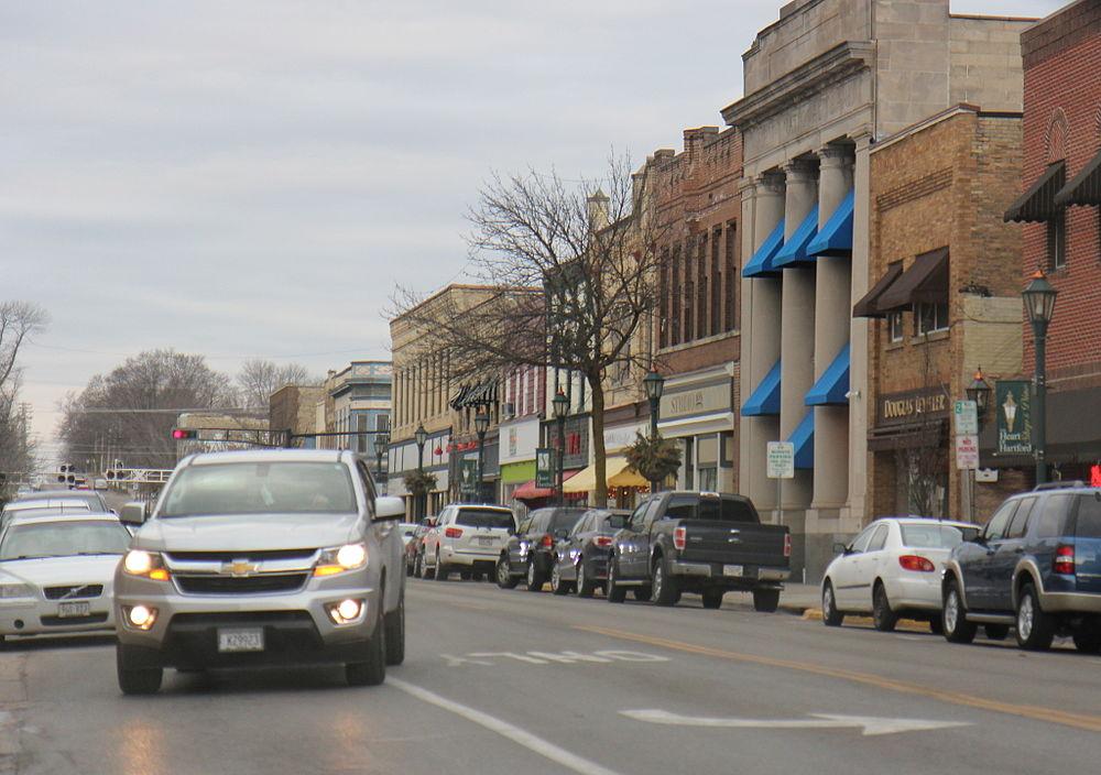 The population density of Hartford in Wisconsin is 673.76 people per square kilometer (1745.15 / sq mi)