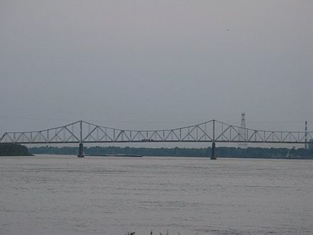 The U.S. Route 49 Bridge that connects Helena, Arkansas with Lula, Mississippi Helenabridge.jpg