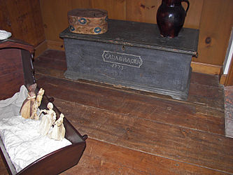Herkimer House 1773 trunk 2.jpg