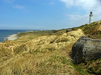 Hirtshals - The nature of Hirtshals: the beach, the cliffs, the North Sea and the history: the bunkers and the lighthouse
