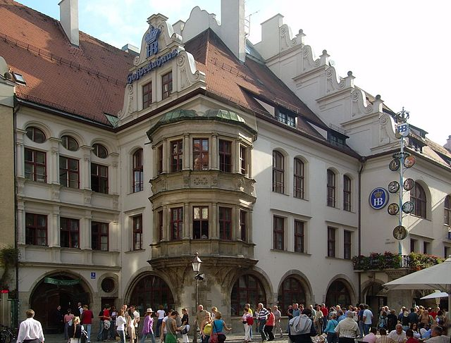Hofbräuhaus-Biergarten
