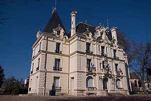 Chilly-Mazarin - The town hall of Chilly-Mazarin