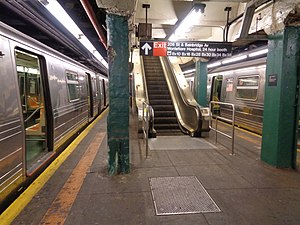 Norwood–205th Street (IND Concourse Line) - The escalator to the western fare control area at Bainbridge Avenue