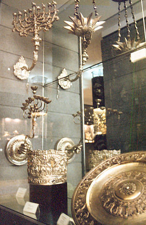 Jewish Museum of Rome - Silverware on display in the museum