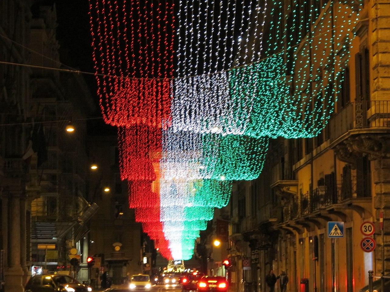 File:Illuminazione via del corso natale 2011, 03.JPG - Wikimedia Commons