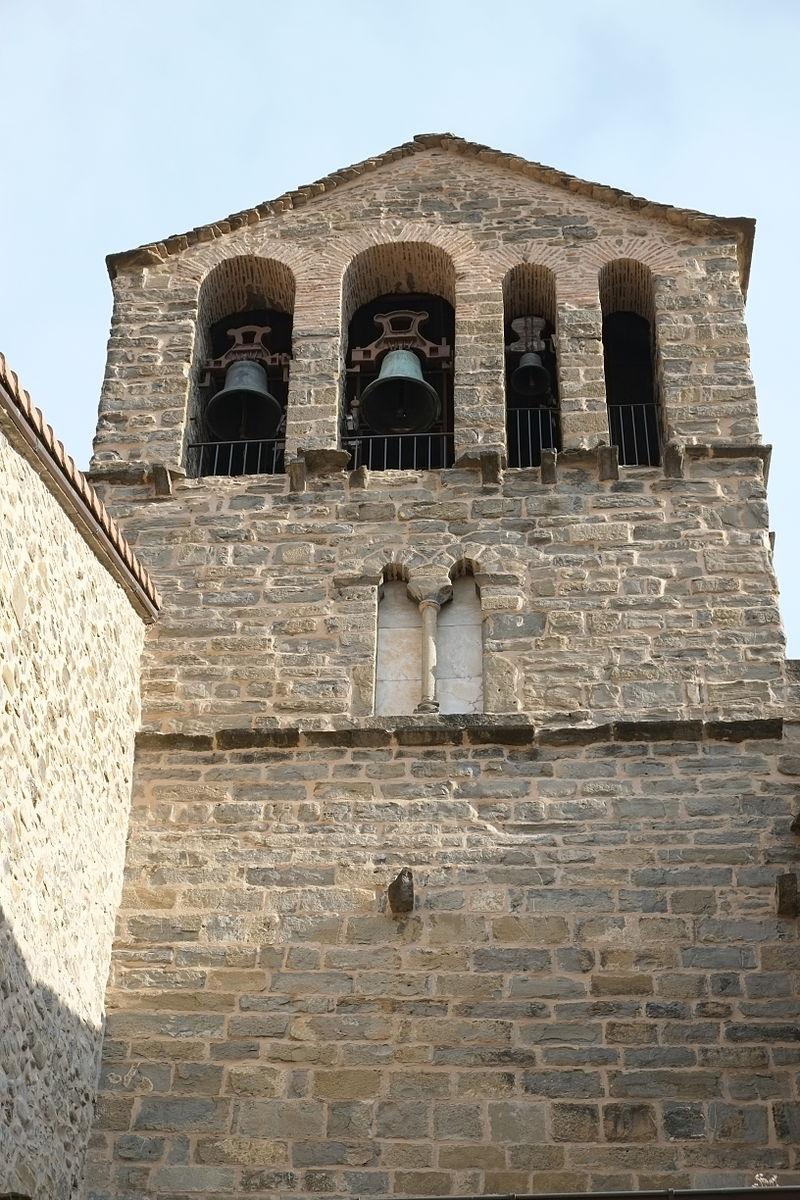 Jaca Church Santiago 5221.JPG