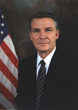 James Lee Witt - Image: James Lee Witt, official FEMA photo portrait
