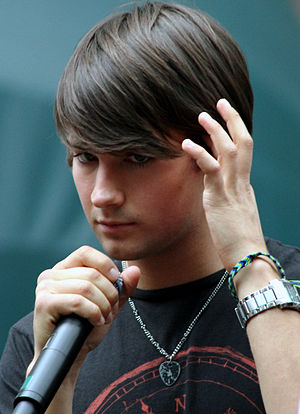 Big Time Rush (band) - Image: James Maslow BTR Paparazzo