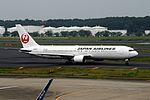 Japan Airlines Boeing 767-346-ER (JA653J-40365-997) (20378801500).jpg