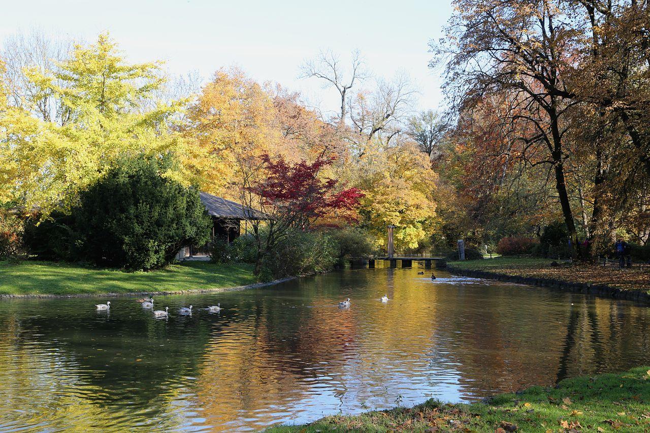 File:Japanisches Teehaus Englischer Garten Muenchen-1.jpg ...