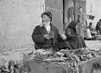 Jewish market in Mea Shearim. Bokhara Quarter, Bokharian (i.e., Bukharan) type selling vegetables LOC matpc.19038.jpg