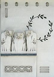Jugendstil owls - Koloman Moser - Detail facade of Secession Building - Vienna.jpg