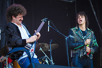 "Julian Casablancas - With the Voidz Jeramy ""Beardo"" Gritter (formerly of Whitestarr) at Lollapalooza Chile, 2014"