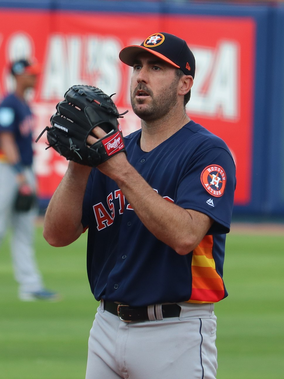 Justin Verlander ready to throw his pitch, March 2, 2019 (cropped)