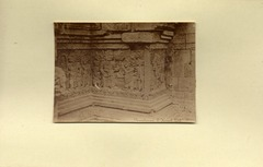 KITLV 1405937 - Isidore van Kinsbergen - Relief on the first gallery at the front of Panataran in Kediri - Around 1867-021915-1867-06.tif