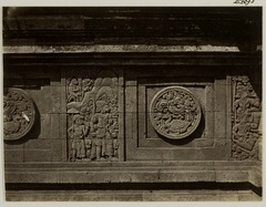 KITLV 28295 - Isidore van Kinsbergen - Relief with part of the Ramayana epic on the east side of Panataran, Kediri - 1867-02-1867-06.tif