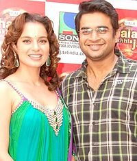 Kangana Ranaut and R. Madhavan pose for the camera