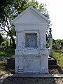 Kapele porodice Pulai sa kalvarijom na katolickom groblju u Novom Beceju - Stela u kalvariji.jpg