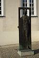 Karl Urlich Nuss Mann im Fenster Laupheim.JPG