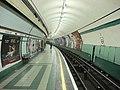 Kilburn Park tube southbound platform.jpg