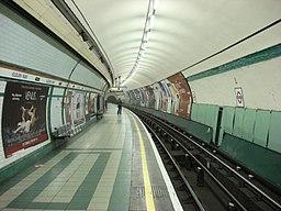 Kilburn Park tube southbound platform