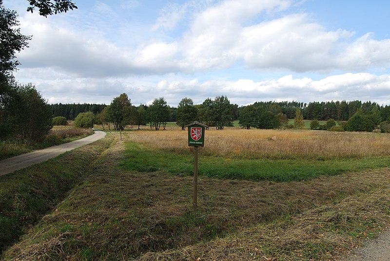 File:Kocelovické pastviny (1).JPG