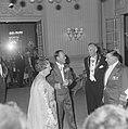 Koningin Juliana, prins Bernhard, burgemeester en , Bestanddeelnr 915-2812.jpg