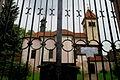 Kostel svatých Petra a Pavla, Řeporyjské náměstí, Hasičů, Praha-Řeporyje 03.JPG