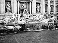 La dolce vita - Fontana di Trevi 2004 - panoramio.jpg