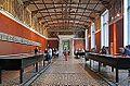 La salle des Niobides (Neues Museum, Berlin) (11554657186).jpg
