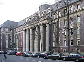 Tribunal du district de Düsseldorf. Lieu du procès, photographié en 2008.
