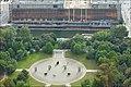 Le Marx-Engels Forum et le palais de la République en 2004 (Berlin) (37604012182).jpg