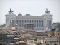 Le Vittoriano vu depuis la villa Médicis (Rome) (5841815046).jpg