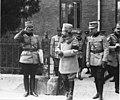 Le roi de Roumanie, le prince Carol, le colonel Anghelesco, le général Berthelot - Médiathèque de l'architecture et du patrimoine - AP62T099789.jpg
