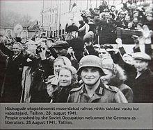 https://upload.wikimedia.org/wikipedia/commons/thumb/6/60/Lentr%C3%A9e_de_larm%C3%A9e_allemande_en_Estonie_en_1941_%287622403826%29.jpg/220px-Lentr%C3%A9e_de_larm%C3%A9e_allemande_en_Estonie_en_1941_%287622403826%29.jpg